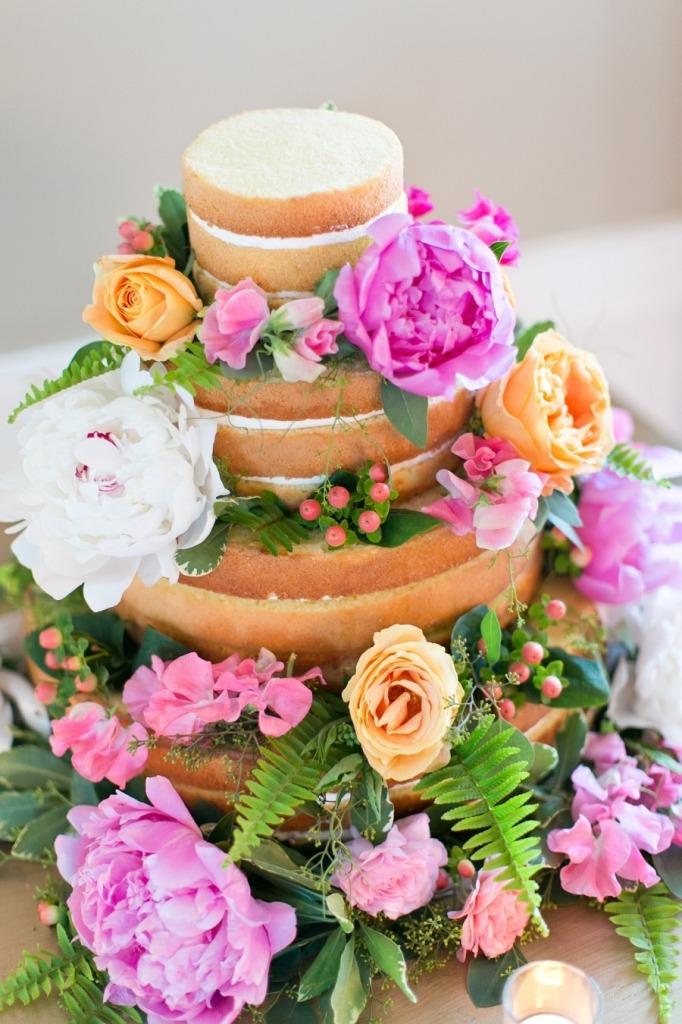 Cassi Claire_naked Cake_guia de fornecedores_casamento em búzios.2