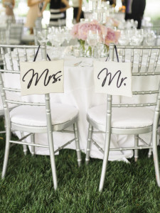 Detalhes que amamos_Cadeira dos Noivos_Blog Casamento em Búzios_Guia de Fornecedores_Casamento na Praia_Krista A. Jones
