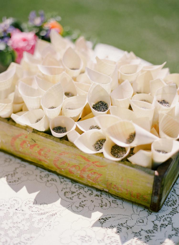 recbecca Yale_semente_cerimônia_blog_casamento em buzios