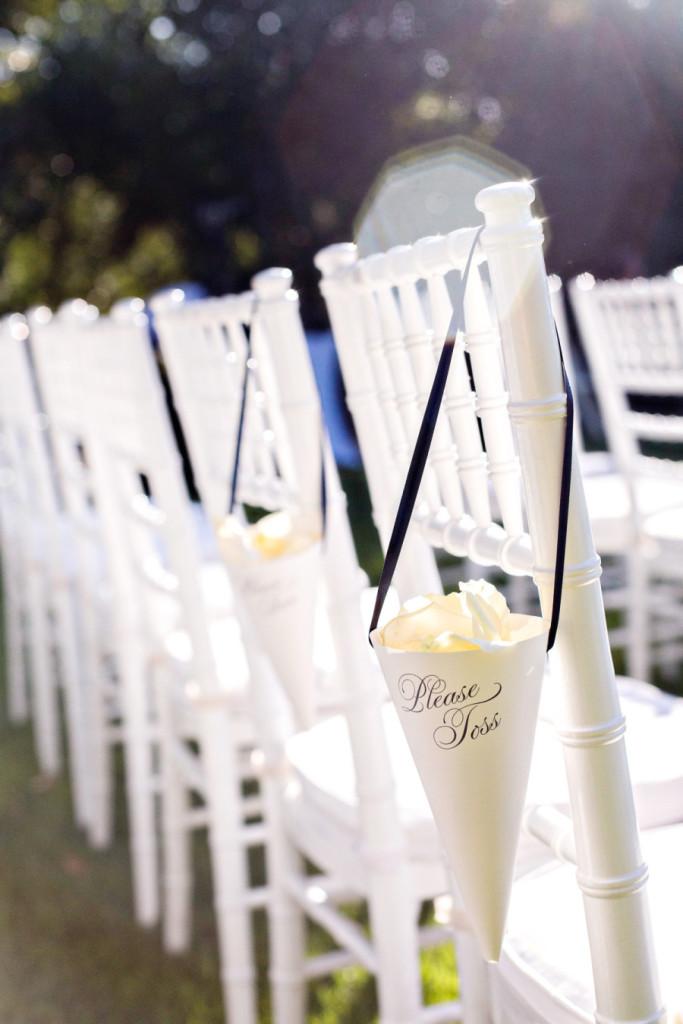 verite photography_pétalas_cerimônia_blog_casamento em buzios