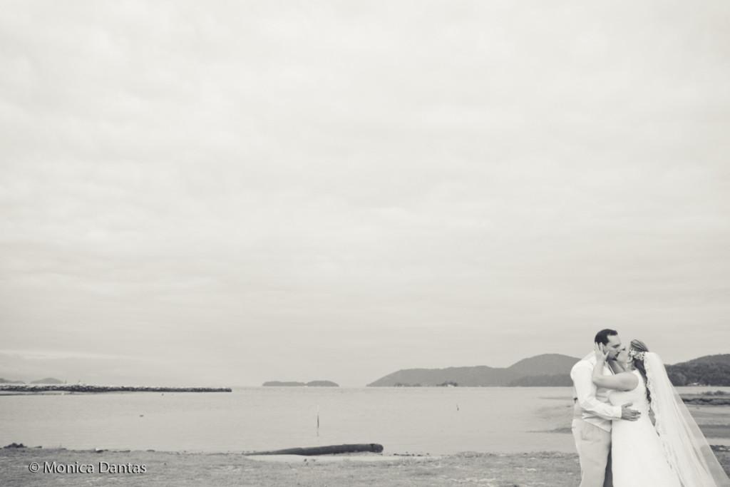 Casamentos na Praia_Carol e Marcio_Blog Casamento em Búzios_Guia de Fornecedores_foto1