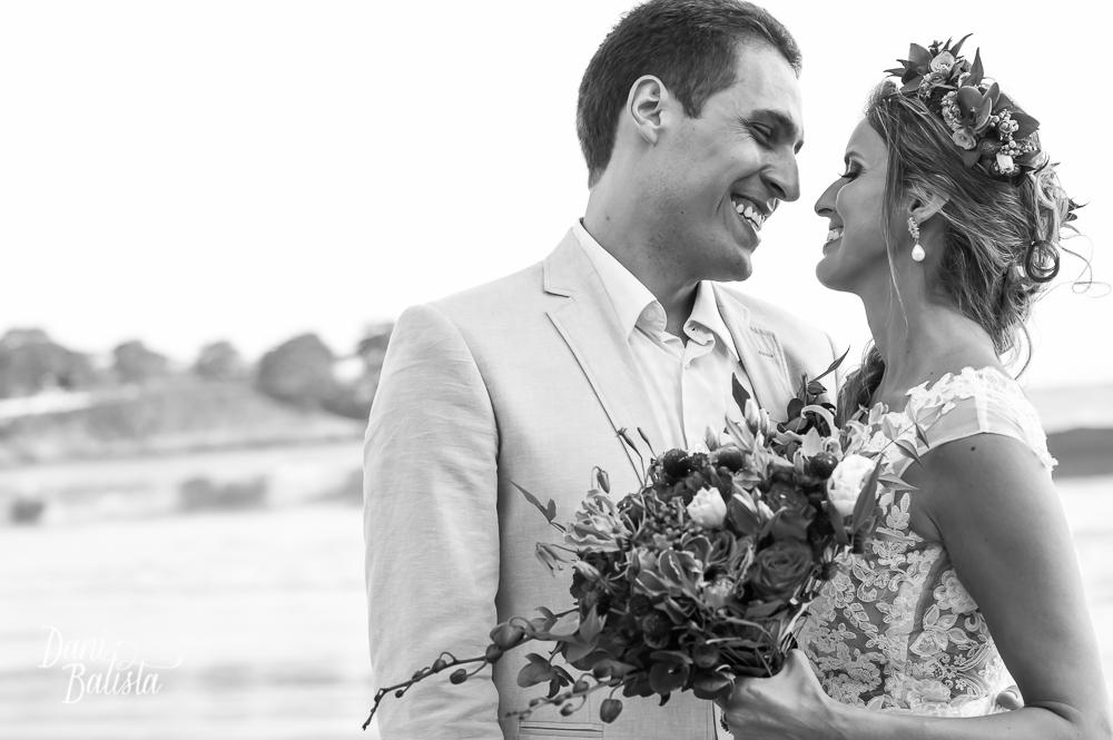 Casamento em Búzios_Casamento na praia_Carol e Andre_foto25