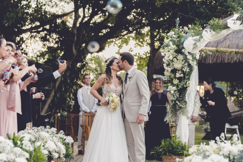 casamento-na-praia-priscilla-e-guilherme_-blog-casamento-em-buzios_-foto-1