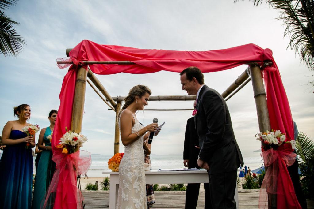 casamento-em-buzios-hanna-e-jay_foto-31