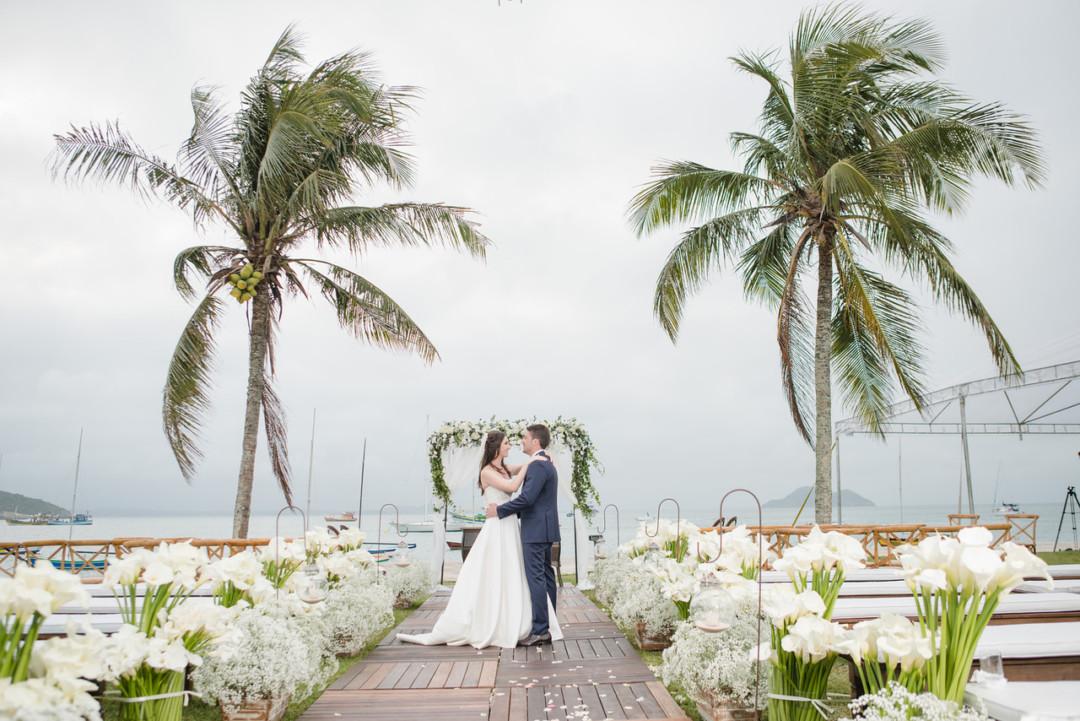 Julia e Enzo_Blog Casamento em Buzios_foto1